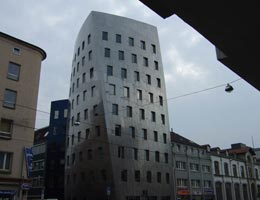 Фрэнк Гери. Frank Gehry: Gehry Tower, Hanover, Germany, 1999-2001